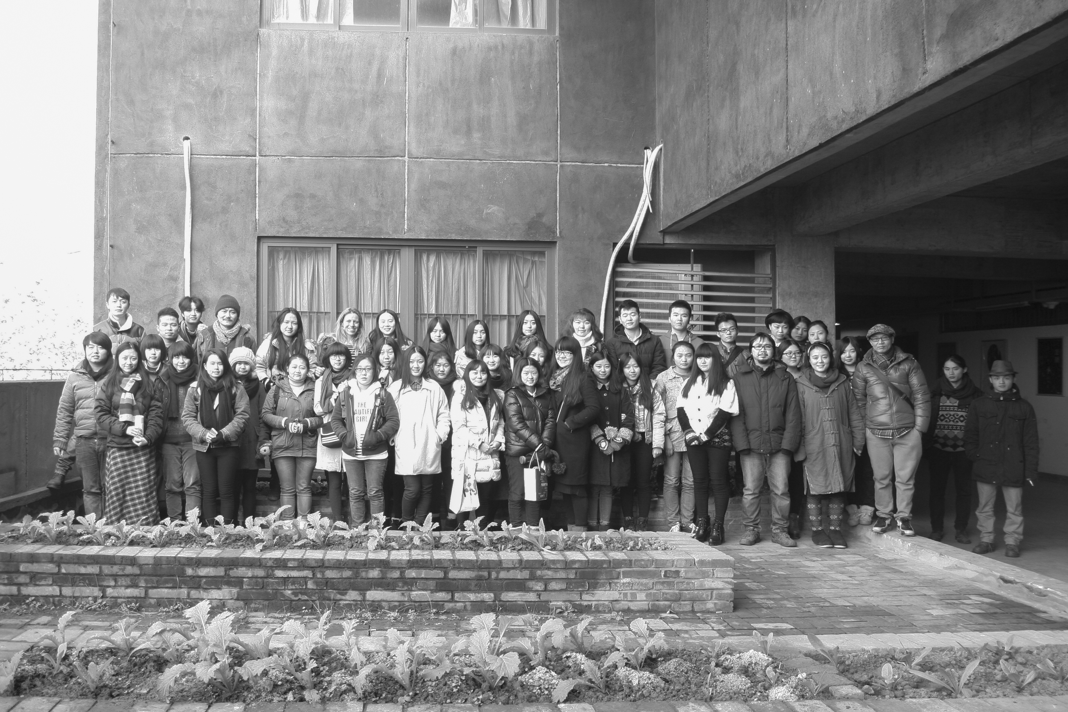 Posing in the very cold and very early morning before the TransArtists workshop. Meet the talented students of the Sichuan Fine Arts Institute in Chongqing, China, December 2014